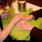 massage huile ongles et cuticules ressortent colorés, gonflés à bloc sans effluves chimiques